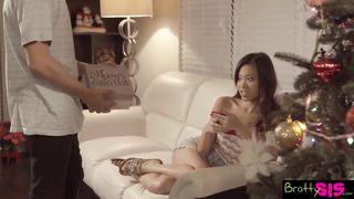 Bratty Sis - Dick in A Box Christmas Present by Pervy StepBro - Tyler Nixon, Vina Sky - HD 720p