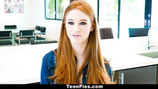 Free Teen Porn Video With Cum In Pussy - Scarlett Snow - HD 720p