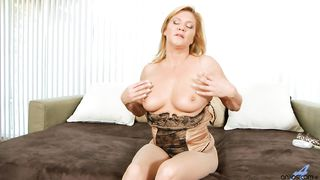 Ginger Lynn anilos toy talk solo