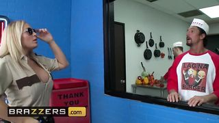 Brazzers - This Sexy Cop Need A Giant Hotdog - Tommy Gunn, Tyler Faith - HD 720p
