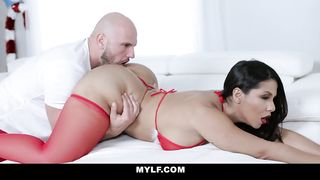 MYLF.COM FREE PORN - Rose Monroe is Extra Naughty on Christmas 2018 - Rose Monroe - HD 720p