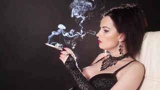 Smoking Elegant Cougar - Abbie Cat