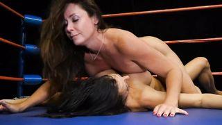 30 Min Lesbian Sex Fighting Video - Reagan VS Christina - HD 720p