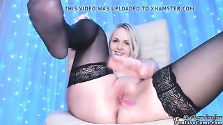 busty blonde with nice ass playing with her pussy  porn 2