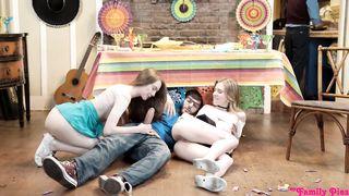Familia sexo hermano hermana folla - Cinco De Pie - Anya Olsen, Samantha Hayes