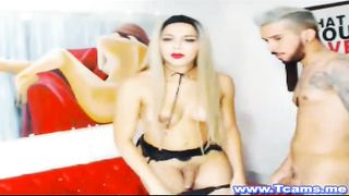 Two Hot Shemale show some hot ass