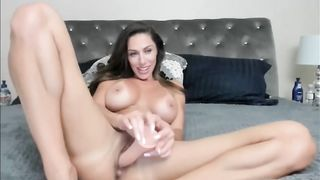 Beautiful Milf Using A Dildo Camshow