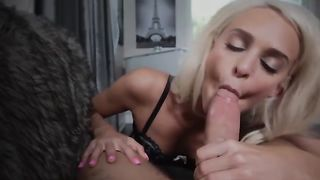 Babe 18 Year Handjob Huge Dick and Cumshot on mouth